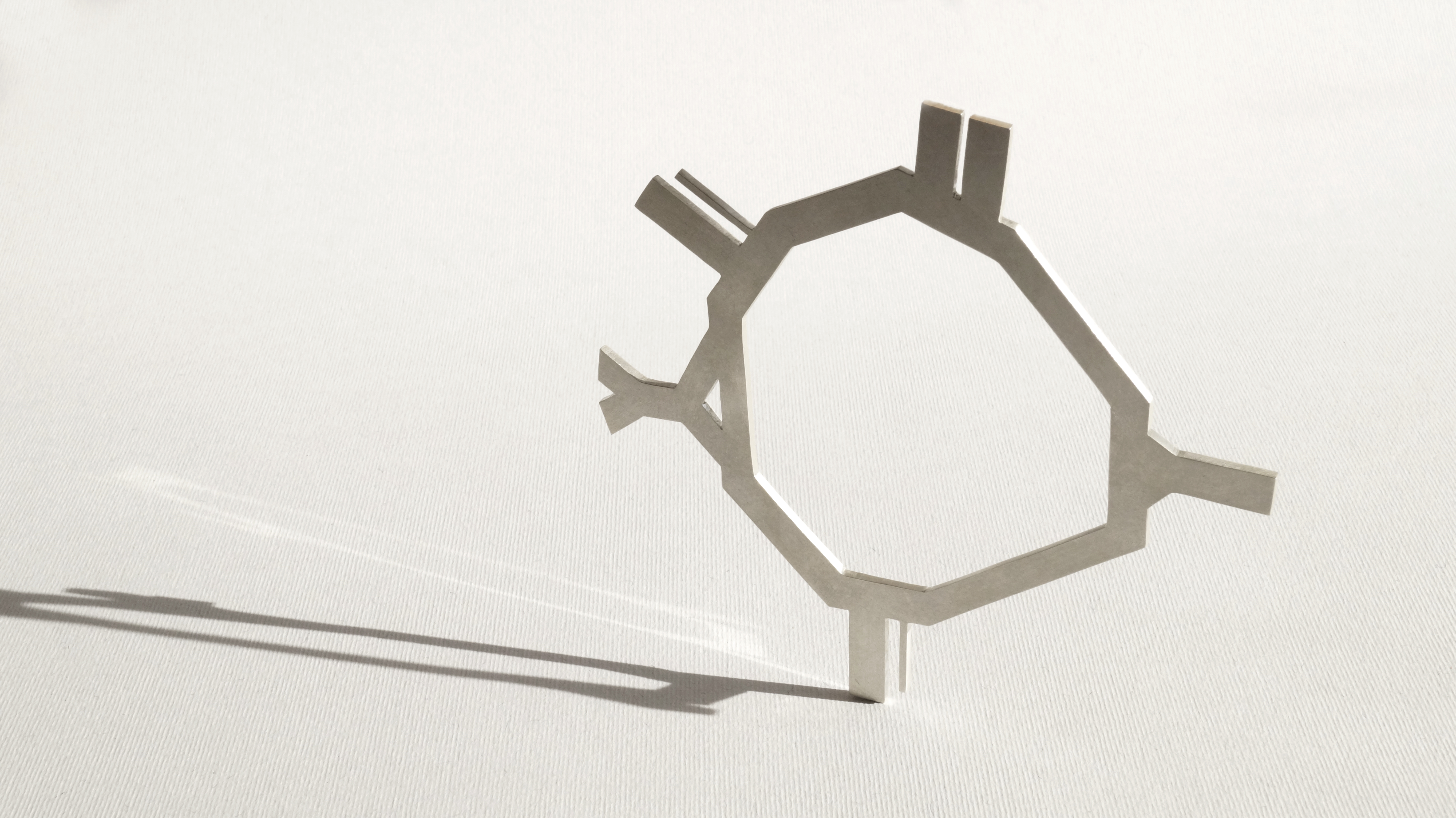 Artist pays homage to Warsaw districts with striking silver jewellery – The First News 3